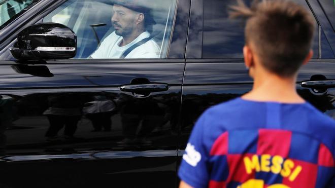 Messi no se presenta a las pruebas PCR del Barcelona; Suárez sí