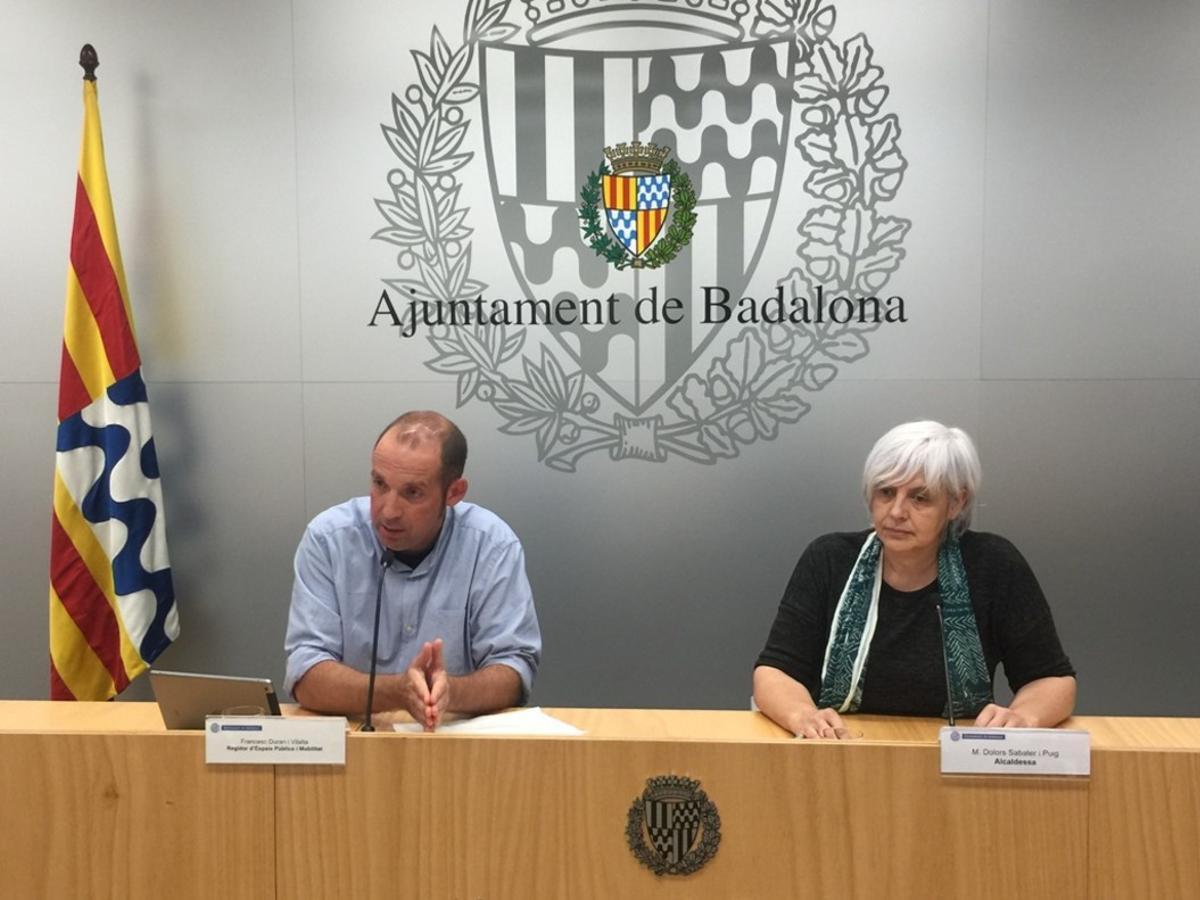 La comparecencia de la alcaldesa de Badalona y el concejal de Movilidad.