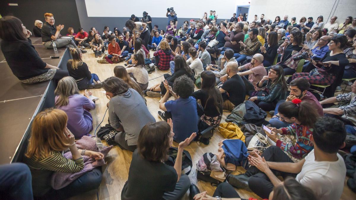 Participantes en el Festival de Cultura Txarnega, en la fábrica Fabra i Coats de Barcelona, en abril de 2019.
