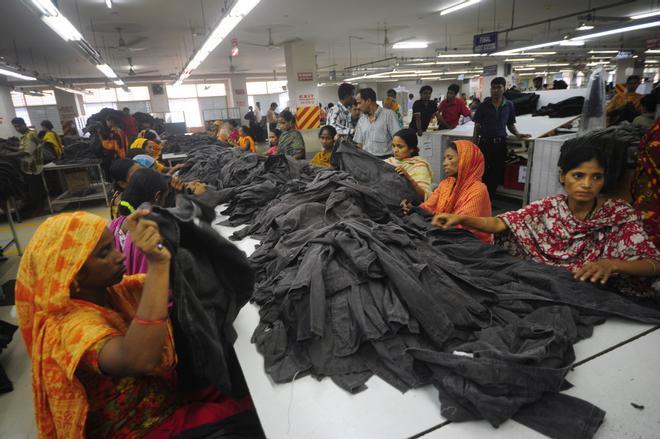 La pandemia deja aún más desprotegidos a los trabajadores del textil en Asia