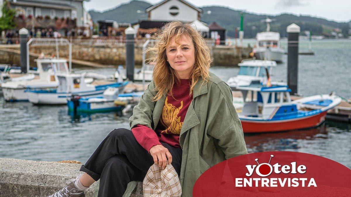 Emma Suárez, protagonista de 'Néboa', en el puerto de O Barqueiro (A Coruña).