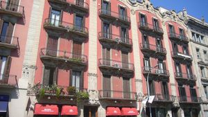El museo está instalado en un edificio histórico creado por Enric Sagnier.