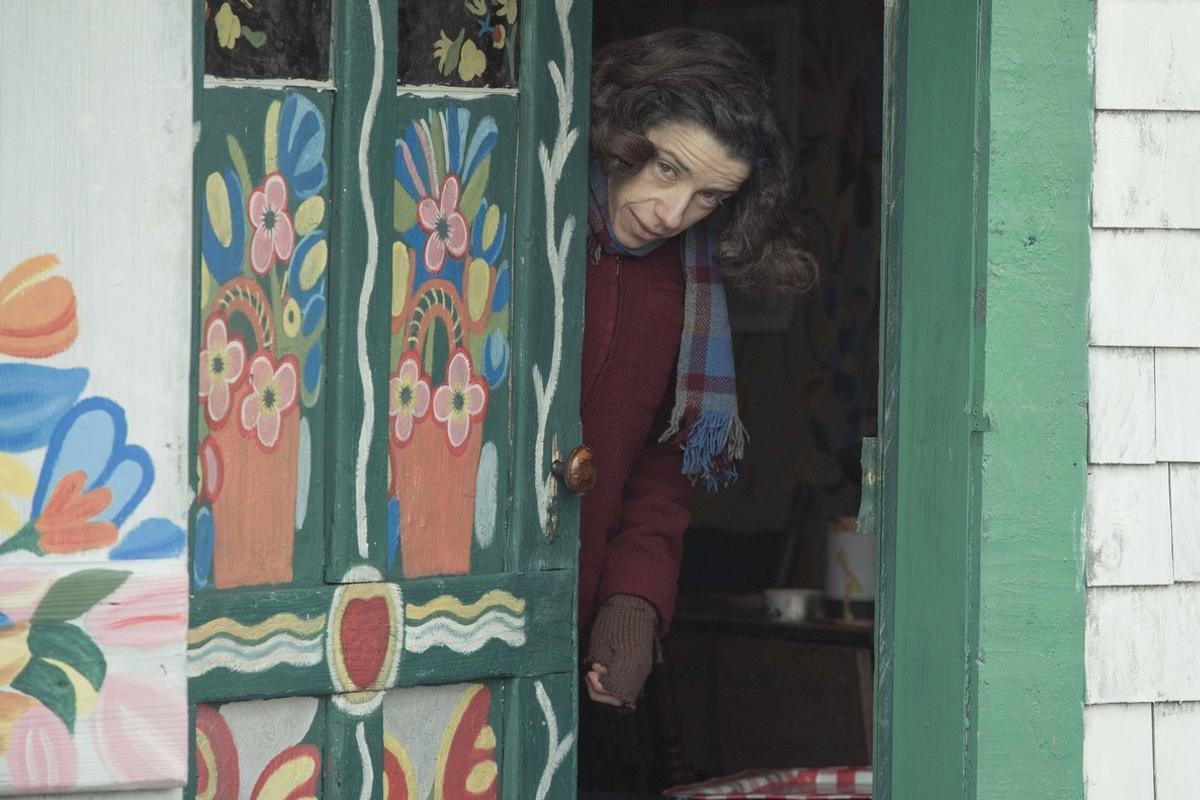 Fotograma de 'Maudie, el color de la vida', protagonizada por Sally Hawkins.