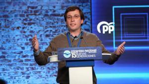 El alcalde de Madrid, José Luis Martínez-Almeida, durante su intervención en la clausura del Congreso de Nuevas Generaciones del PP de Madrid, este domingo.