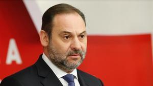 El ministro de Fomento y secretario de Organización del PSOE, José Luis Ábalos, el 11 de marzo en la sede del partido.