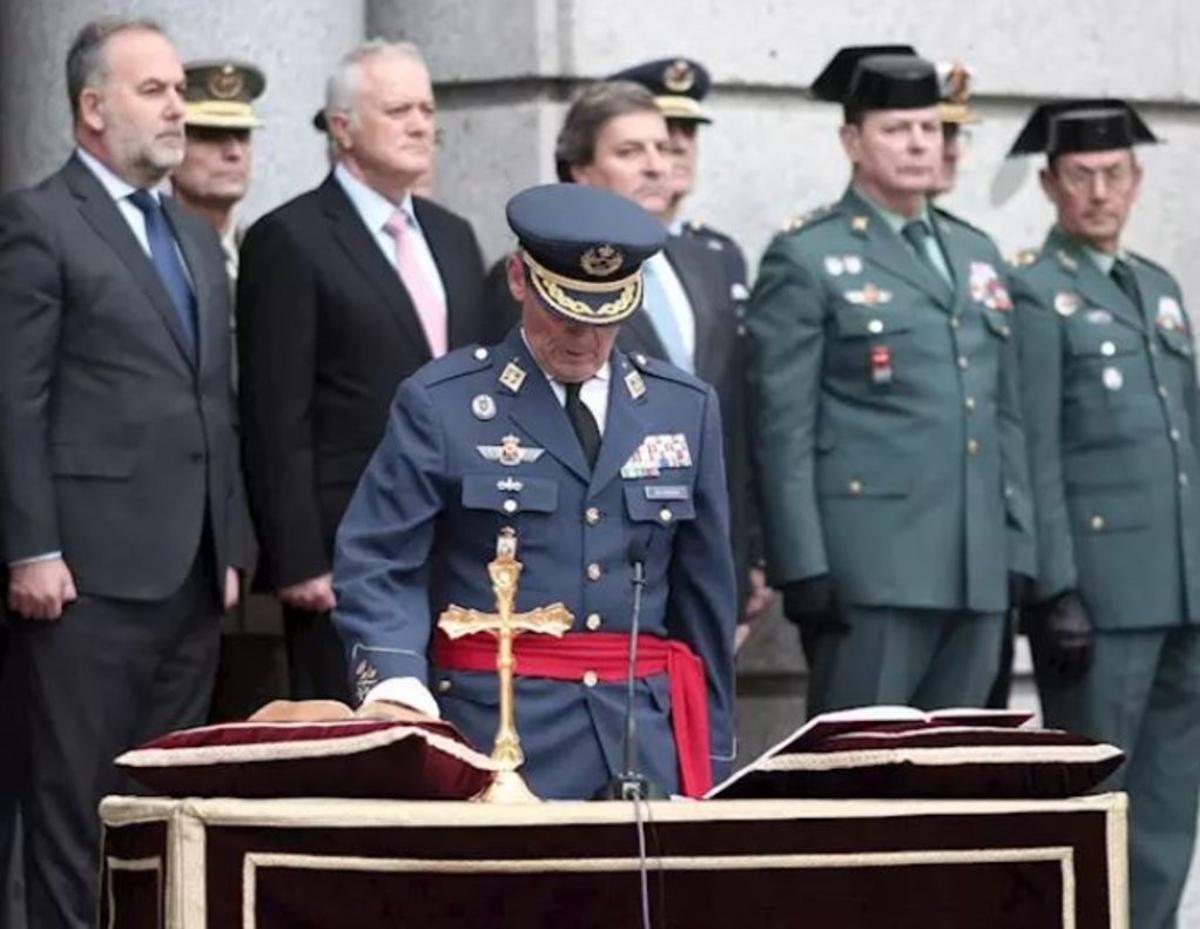 Miguel Ángel Villaroya durante su toma de posesión como nuevo jefe del JEMAD.