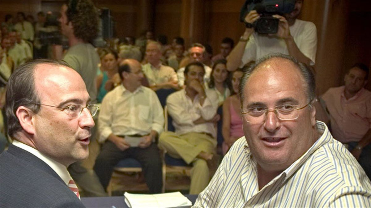 Eugenio Gonzálvez, senador del PP per Almeria: Jo mano a l'ombra... que treballin els 'gilipolles.