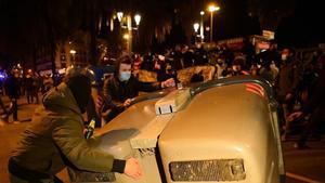 Els CDR tornen a manifestar-se a prop de la Direcció de Policia a Barcelona