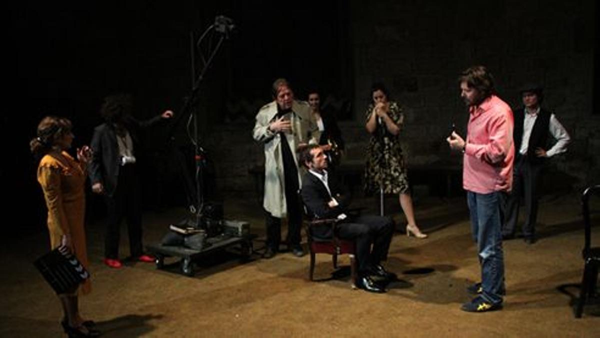 Una escena de '28 i mig', producción de La Perla 29 estrenada en el 2013 en la Biblioteca de Catalunya.