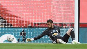 David de Gea falla y concede el segundo gol al Chelsea.