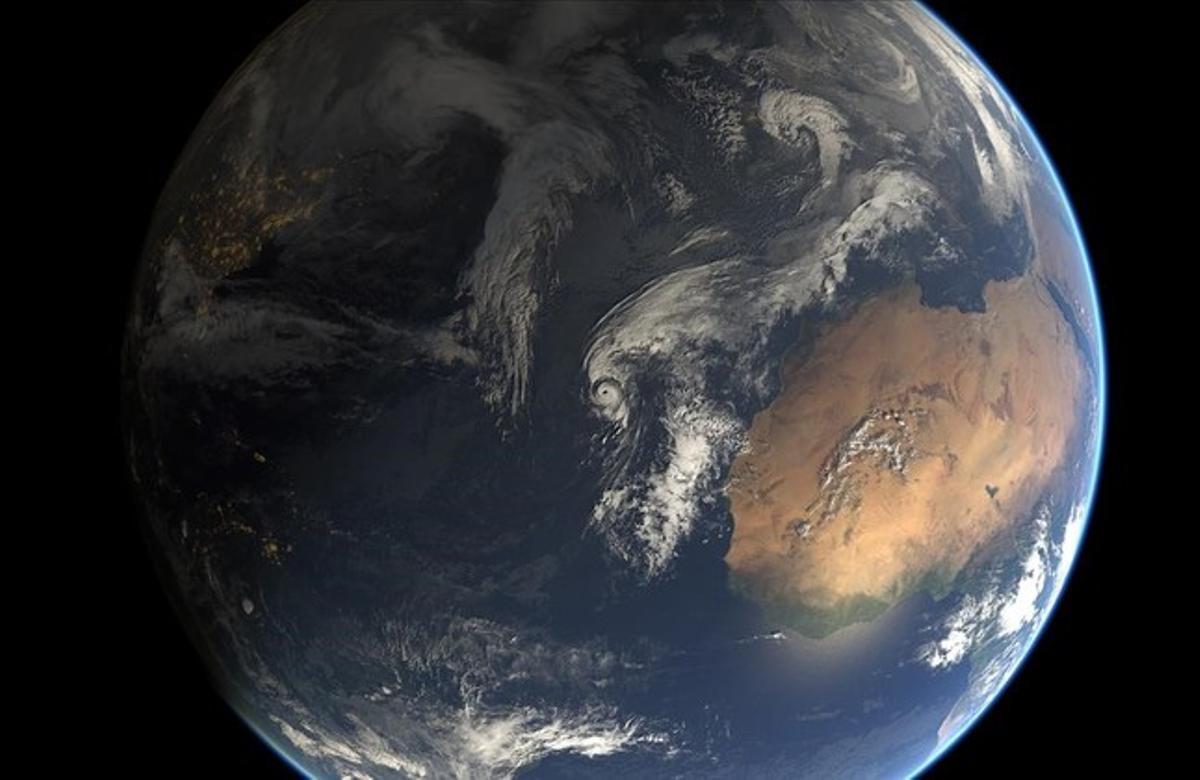 Imagen satelital compuesta de la tormenta subtropical Alex, ahora convertido en huracán, a la altura de las Azoresel pasado 14 de enero.