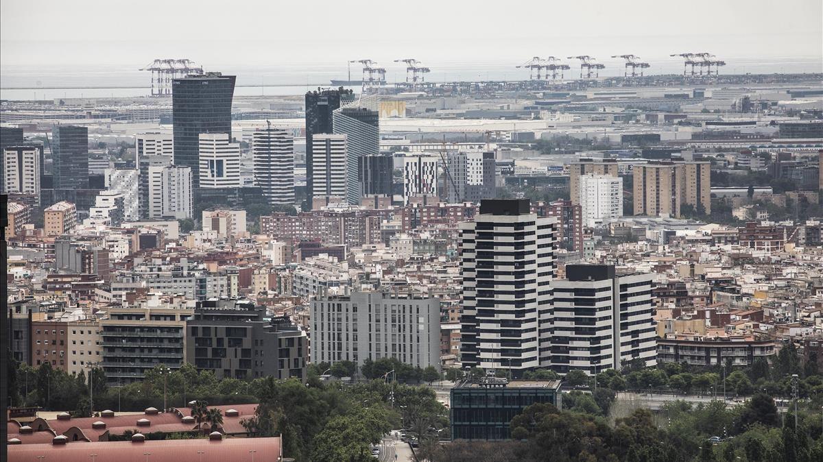 Vista desde L'Hospitalet del área metropolitana de Barcelona.
