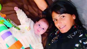 Mónica Torres, con su pequeña Mara.