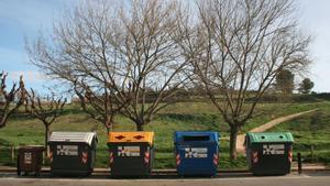 En muchas baterías de contenedores de Rubí ya se pueden depositar las cinco fracciones.