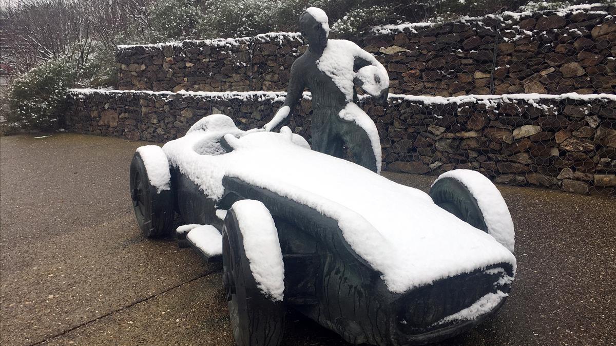 85.000 alumnes catalans es queden sense classe al tancar la seva escola per la neu