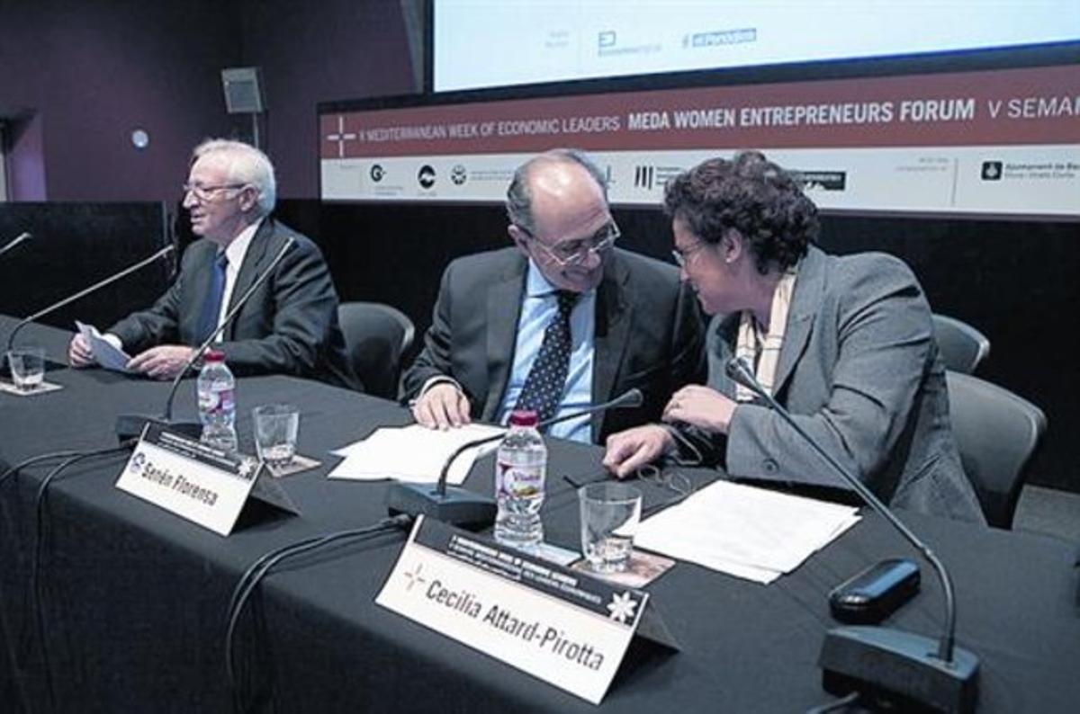 Miquel Valls, izquierda, Senén Florensa y Cecilia Attard.
