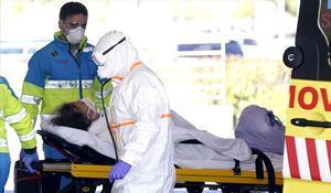 Els tècnics d'ambulàncies denuncien l'escassetat i mala qualitat dels seus equips de protecció