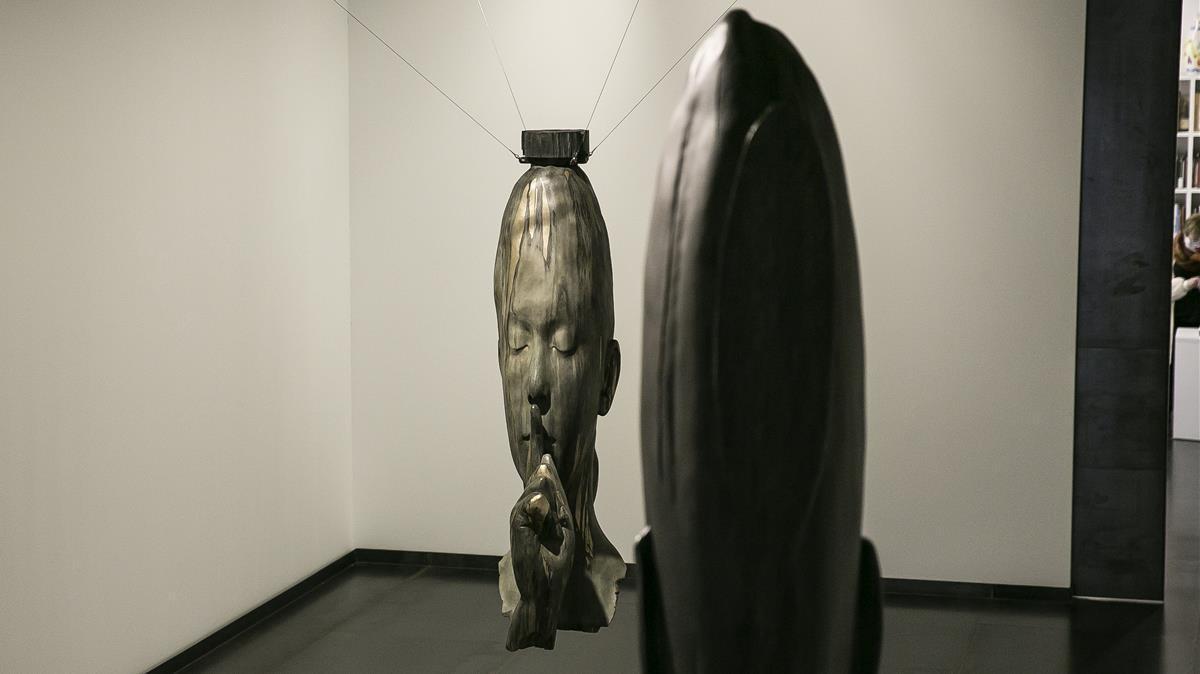 Exposición de Jaume Plensa en la galería Senda (Trafalgar, 32).