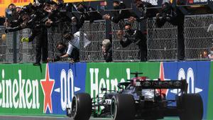 Lewis Hamilton (Mercedes) gana el GP de Portugal en el circuito de Portimao