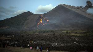 Imágenes de la erupción de ceniza del volcán La Soufriere