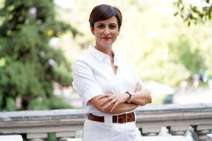 Isabel Rodríguez, ministra de Política Territorial y portavoz del Gobierno, al término de la entrevista con EL PERIÓDICO, en el balcón del Palacio de Villamejor, sede de su departamento en Madrid, el pasado 17 de septiembre.