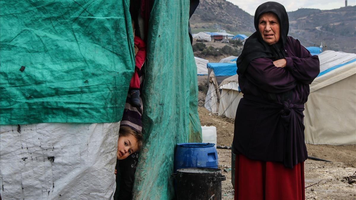 Desplazados sirios del campo deKhirbat al-Jawz, enIdlib, Siria.