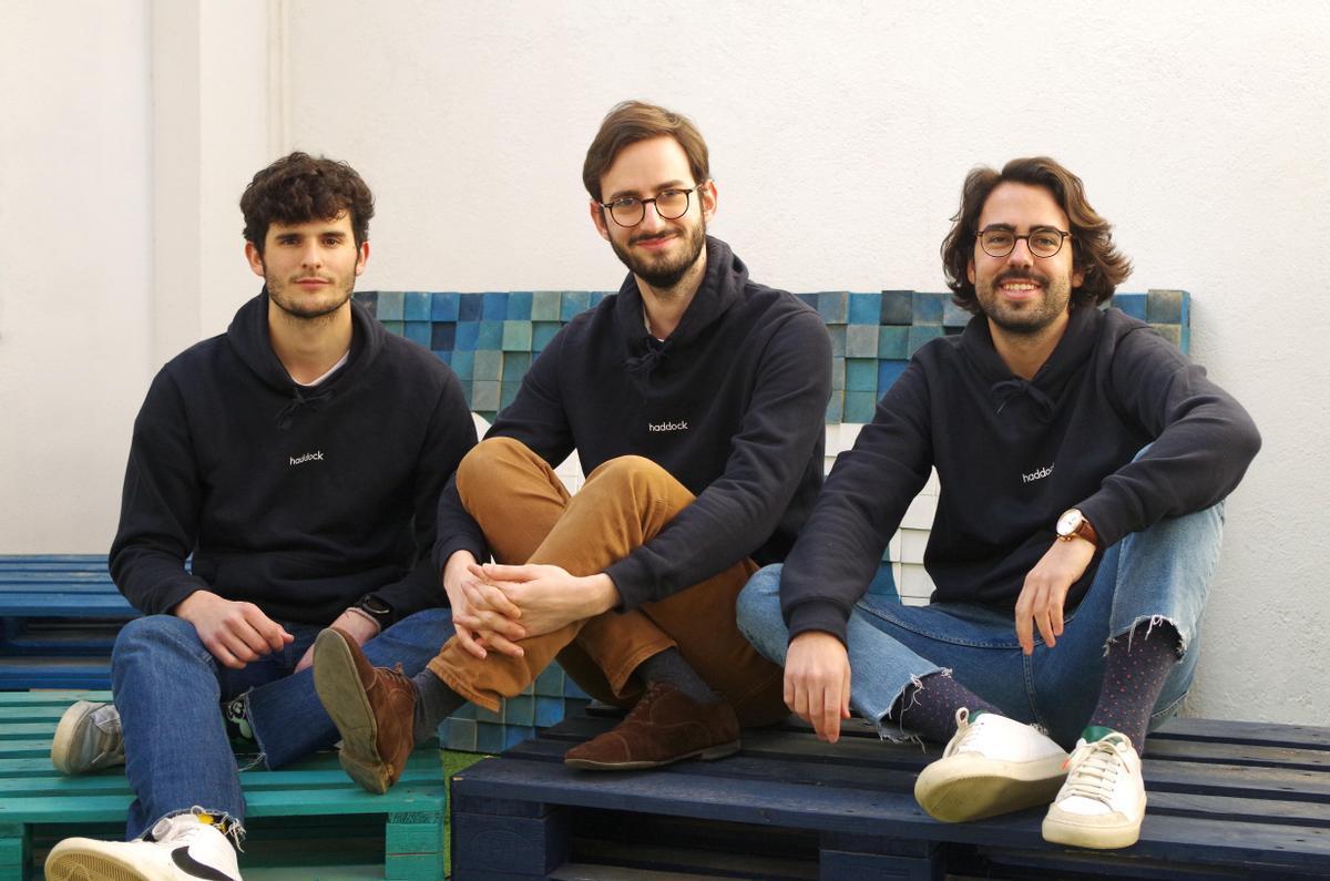 De izquierda a derecha: Pol Rosell, Carlos Marchal y Arnau Navarro, cofundadores de Haddock.