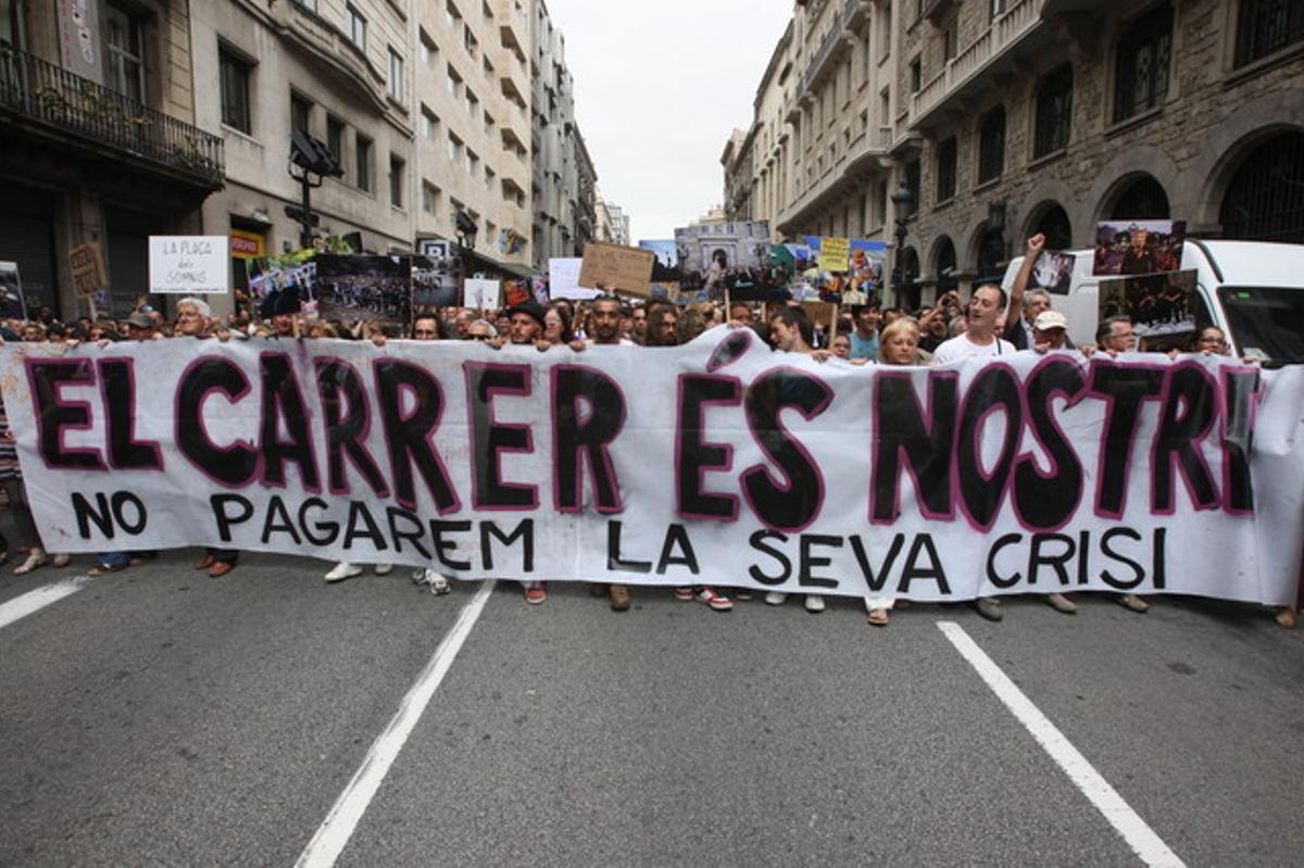 La capçalera de la manifestació de Barcelona, a l'inici de la marxa, a prop de la plaça de Catalunya.