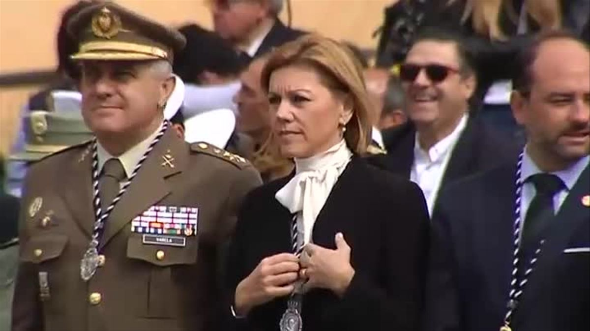 Ministros del PP acompañan a la Legión en la procesión del Cristo de la Buena Muerte