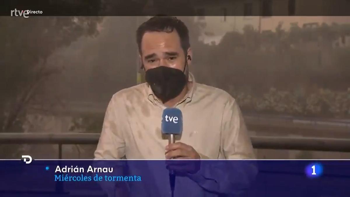 """Un reportero se pronuncia tras su polémico directo en el 'Telediario': """"Calma, por favor"""""""