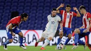 Messi comandó el ataque de la albiceleste ante los paraguayos.