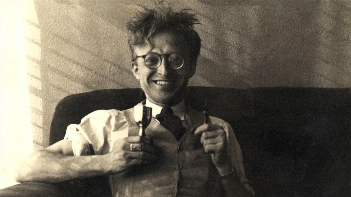 Uno de los retratos más icónicos de Pere Calders.