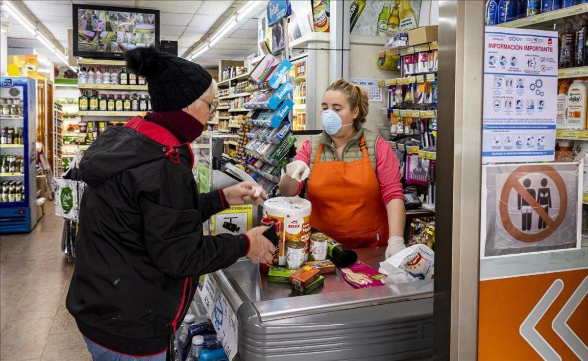 Línea de caja en un supermercado en Benidorm