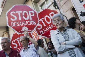 Concentración de la plataforma Stop Desahucios antes de la pandemia.