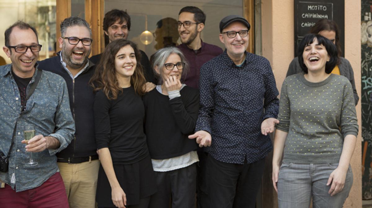 Juanjo Giménez celebrando con su equipo su nominación a los Oscars por 'Timecode'..