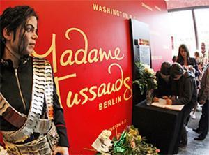 Los fans de Jackson han rellenado las 200 páginas del libro de condolencias ubicado en el Tussaud de Berlín.