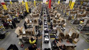 Centro logístico de Amazon en El Prat de Llobregat.