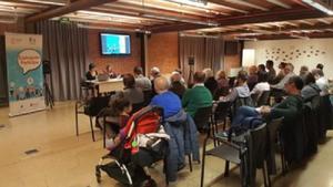 El Ayuntamiento de Esplugues ha presentado la 7ª edición del Presupuesto Participativo, para que la ciudadanía pueda decidir en cuál o cuáles proyectos invertir 245.000 euros del Presupuesto Municipal.