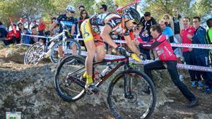 José Luis López Cabezuelo, protagonista de esta historia, en una carrera de 'mountain bike'.