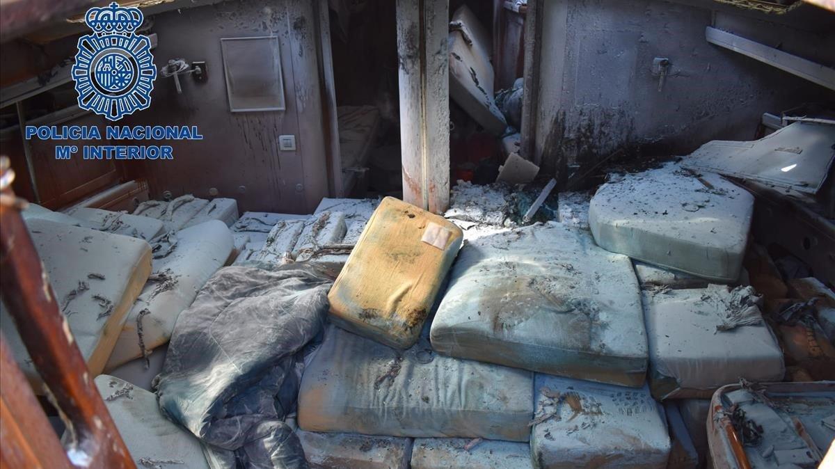 Interior de la embarcación.