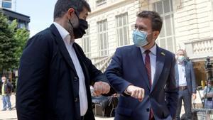 Jordi Sànchez y Pere Aragonès, tras hacer público el acuerdo de coalición entre ERC y Junts per Catalunya.