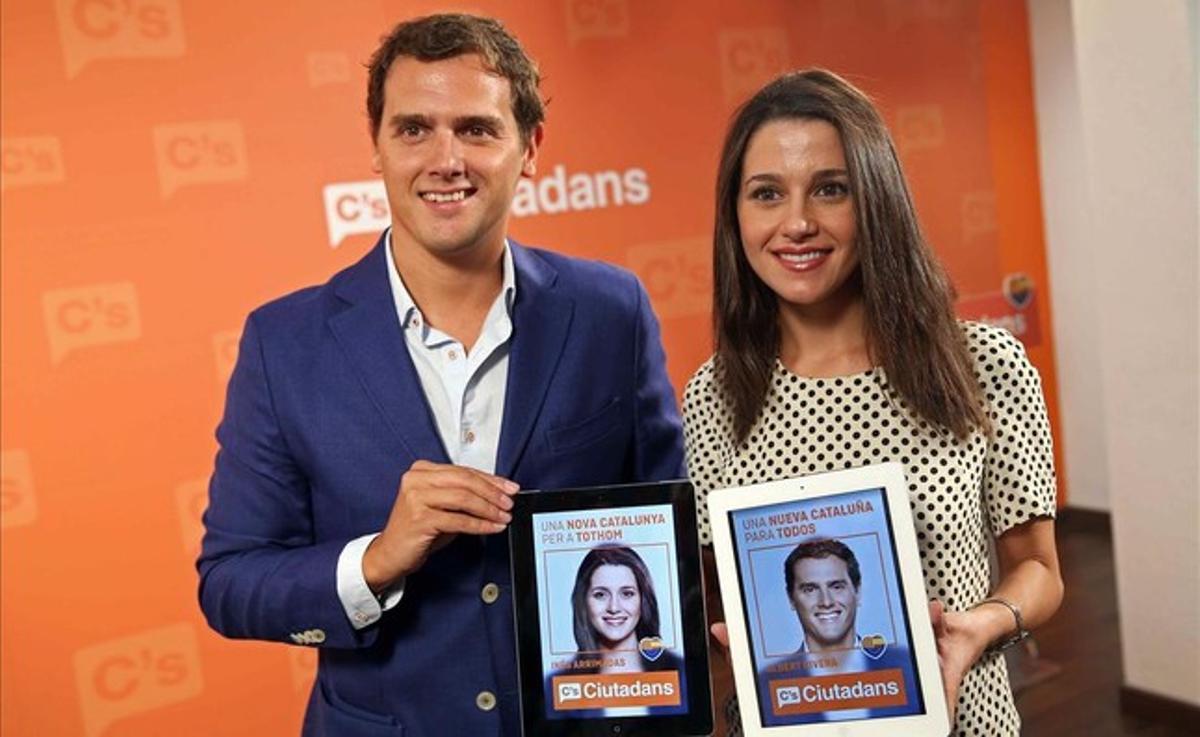 Albert Rivera e Inés Arrimadas, este lunes, en la presentación de la campaña de Ciutadans.