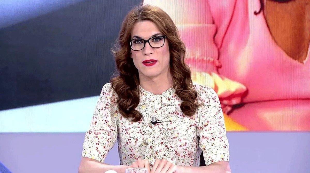 Elsa Ruiz, durante la emisión de un programa de 'Todo es mentira', en Cuatro.