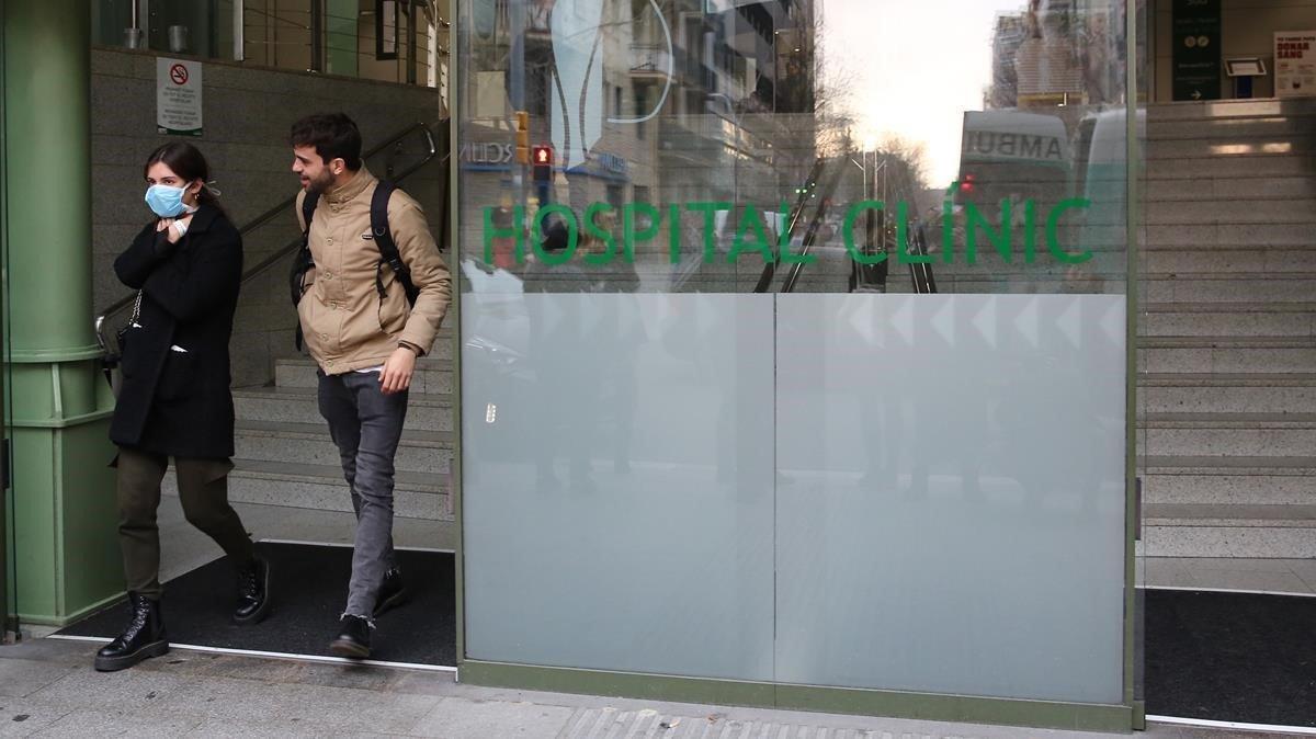 La entrada del Hospital Clínic de Barcelona, hace unos días.