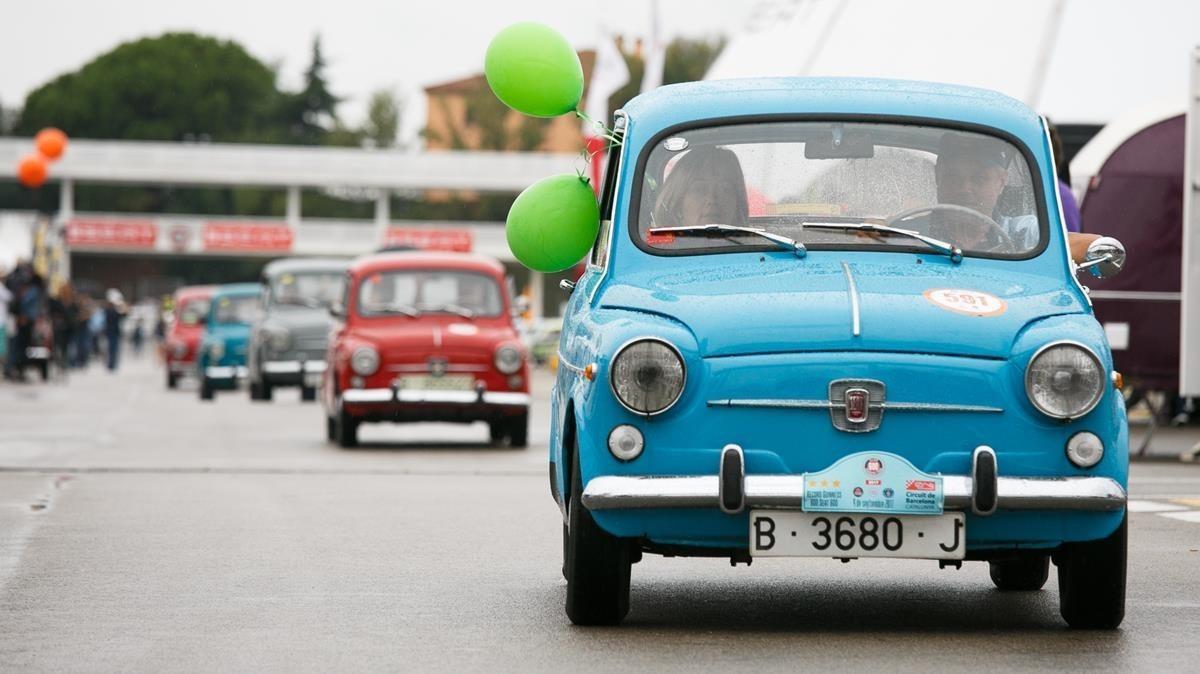 Un 'pitufo' (casi cada color tenía su sobrenombre) encabeza una marcha de 600 en Montmeló.
