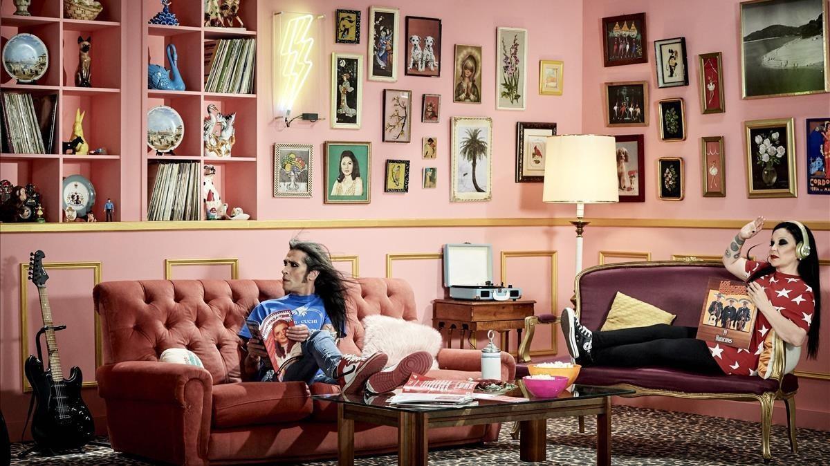 Mario Vaquerizo y Alaska, en una imagen promocional de la nueva entrega de su 'reality' en MTV y Paramount Network.
