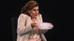 El personaje de Ada Colau en 'Polònia' con un táper, en una imagen de archivo.