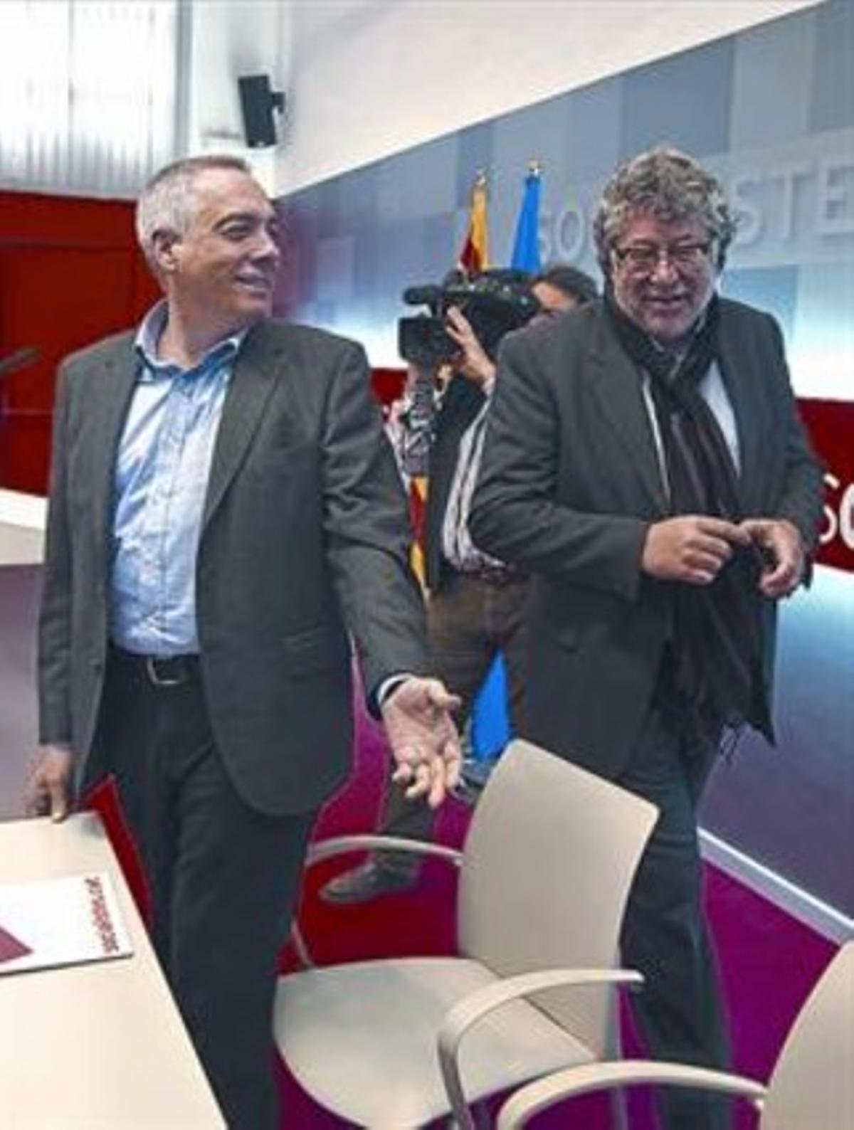 Pere Navarro y Antonio Balmón, en una reunión en la sede del PSC.