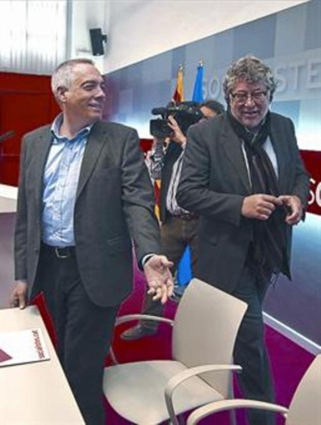 Pere Navarro i Antonio Balmón, en una reunió a la seu del PSC.