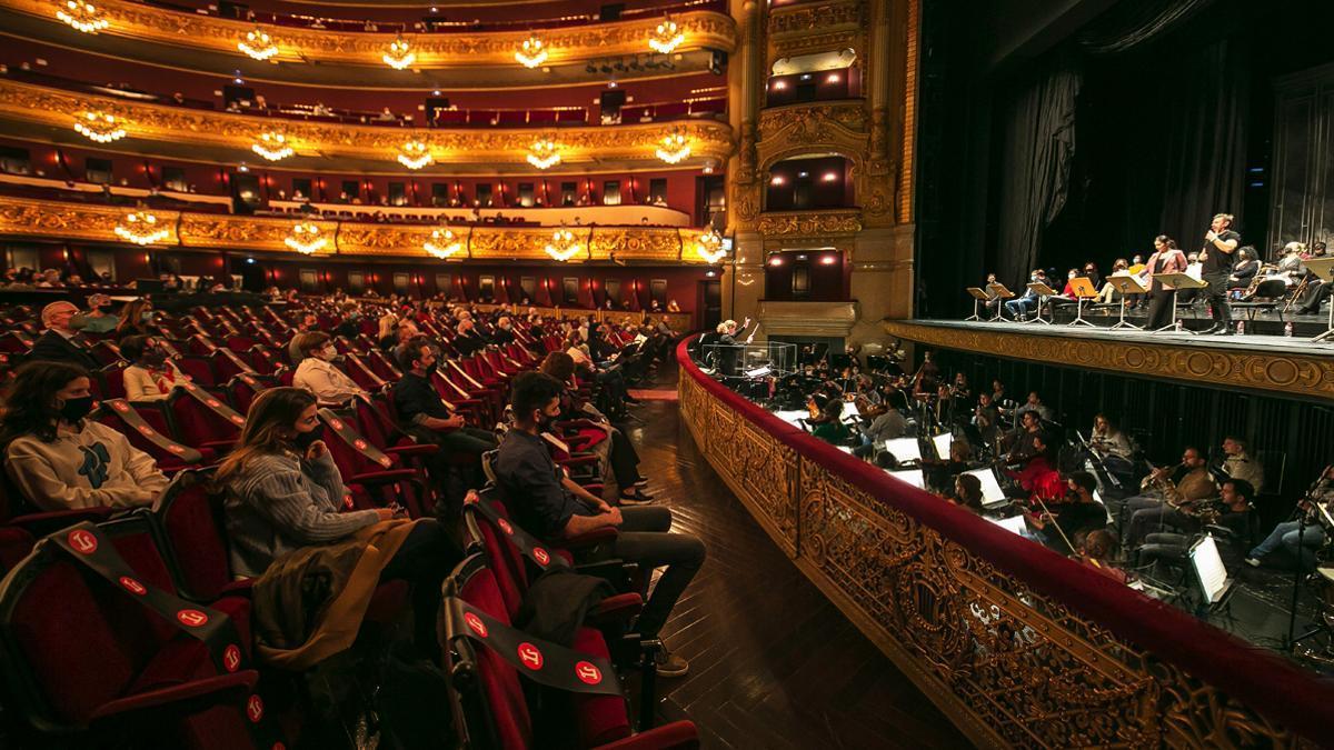 El Liceu, durante una sesión reivindicativa, el pasado noviembre, contra las restricciones que limitaban su aforo.